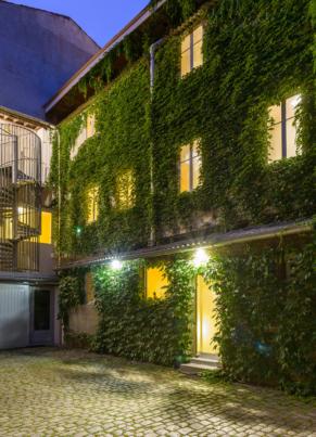 Hôtel Continental - Saint Etienne - La cour intérieure pavée