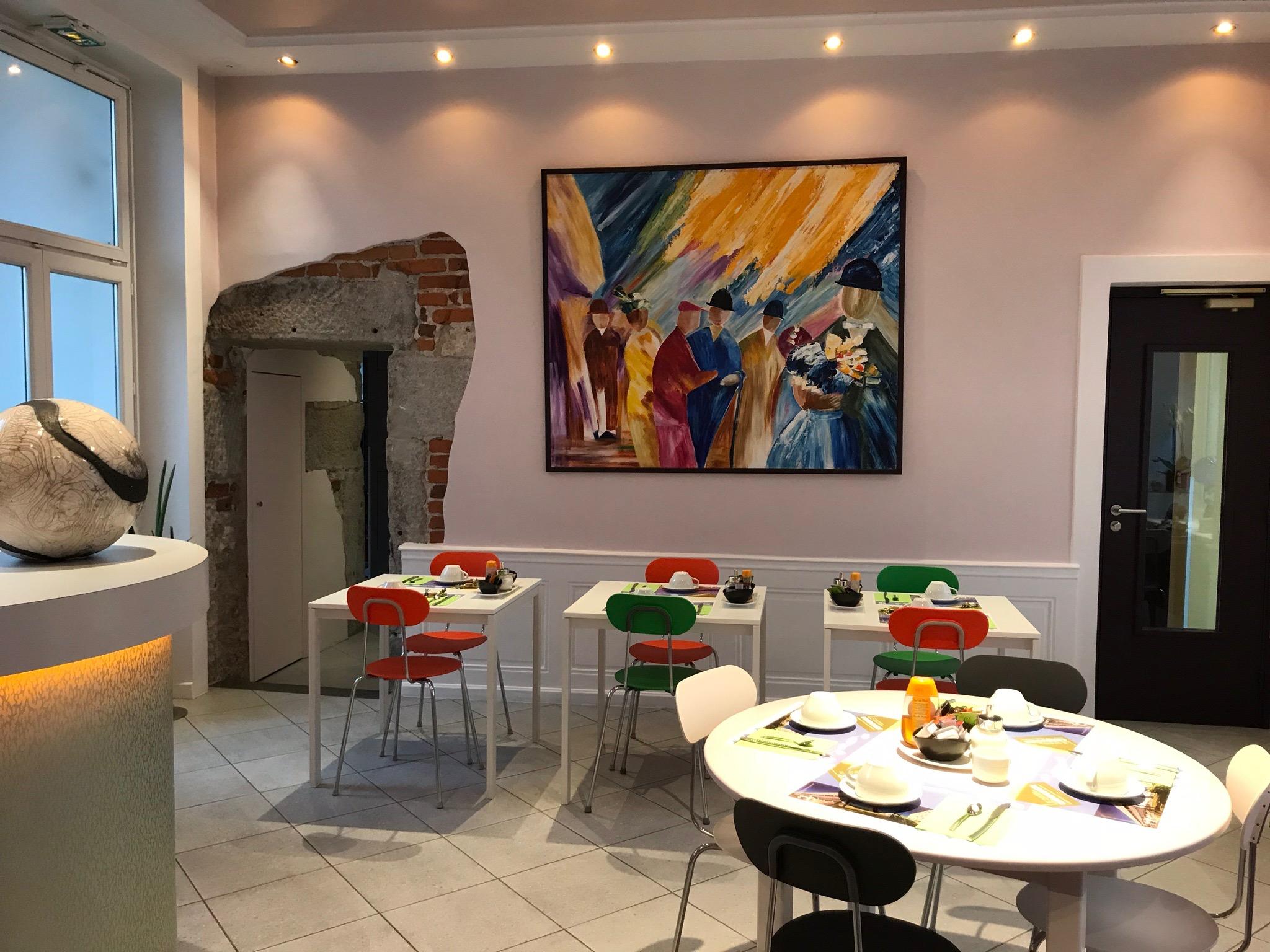 Hôtel Continental - Saint Etienne - Salle de déjeuner